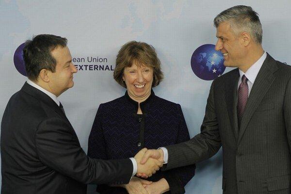 Trojica nominovaných: srbský premiér Dačič, šéfka európskej diplomacie Ashtonová a kosovský premiér Thaci.