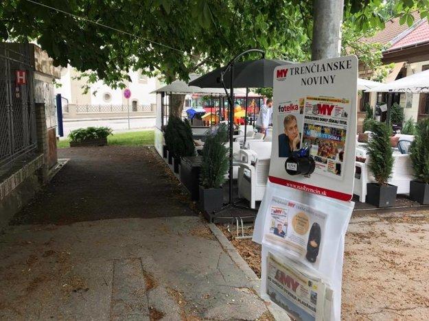 Ďalší z predajných vakov sa nachádza pri Gymnáziu Ľudovíta Štúra.