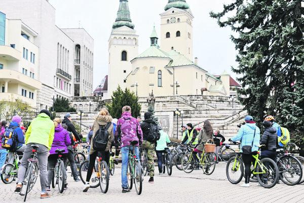 Na nedostatok cyklotrás upozornili na Veľkej jarnej cyklojazde.