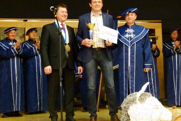 Prišiel, uvidel, zvíťazil... Tak označila komisia Michala Šedíka, ktorý priniesol do súťaže dve víťazné vzorky. Jedna znich sa stala celkovým šampiónom.