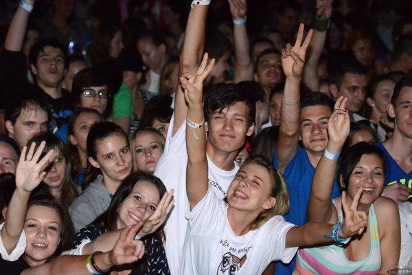 Atmosféra na Dobrom festivale.