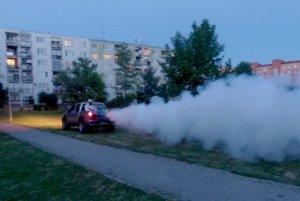 Viaceré obce v okolí Hrona si objednali dezinsekciu. Minulý piatok postreky opakovali v Kalnej nad Hronom.