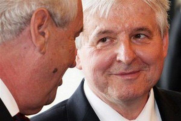 Súčasný premiér Jiří Rusnok sa stretol s prezidentom Zemanom na spoločnom obede.