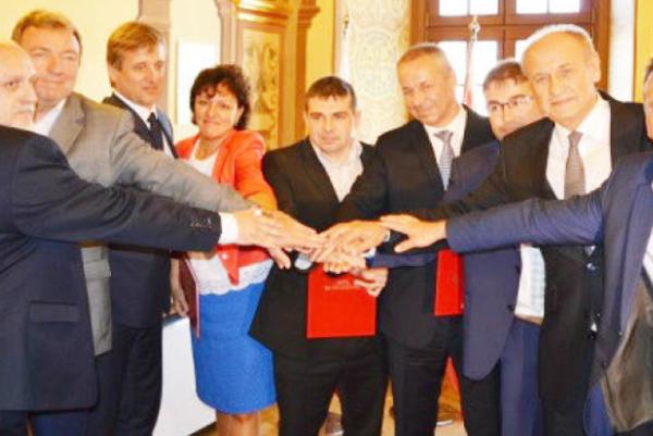Zakladajúci členovia. (Foto: VČ)