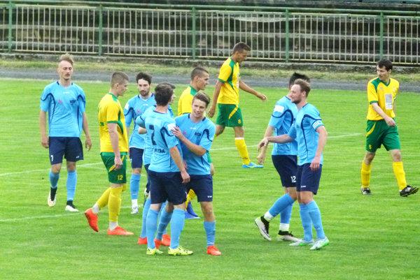 Futbalisti rezervy FC Nitra vyhrali v Leviciach 6:0 a sú postupujúcimi do tretej ligy.