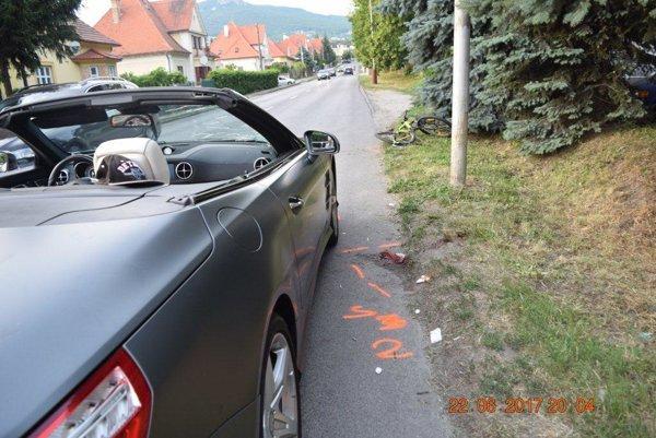 Nehoda sa stala na Zobore, za kruhovým objazdom.