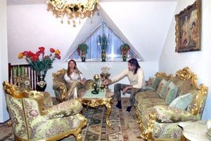 V plnej sláve. Dnes už bývalí manželia takto vítali svoje návštevy na Pereši.