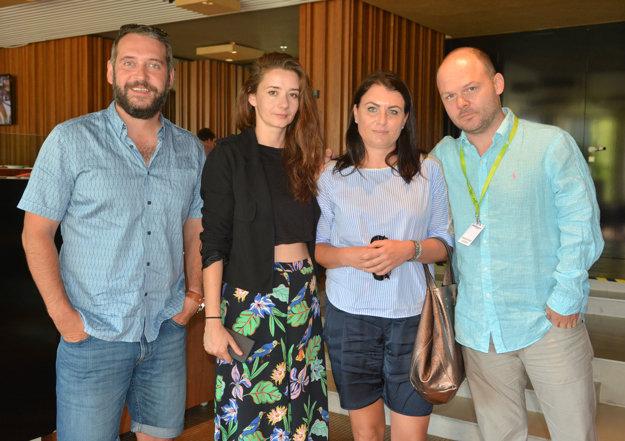 Aneta s hviezdnou spoločnosťou. Strávila chvíle s Martinom Mňahončákom, Zuzanou Konečnou a Michalom Kollárom.