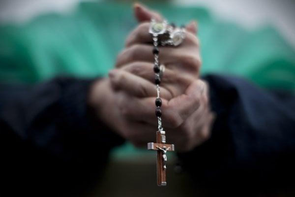 Bývalého vatikánskeho diplomata odsúdili za detskú pornografiu