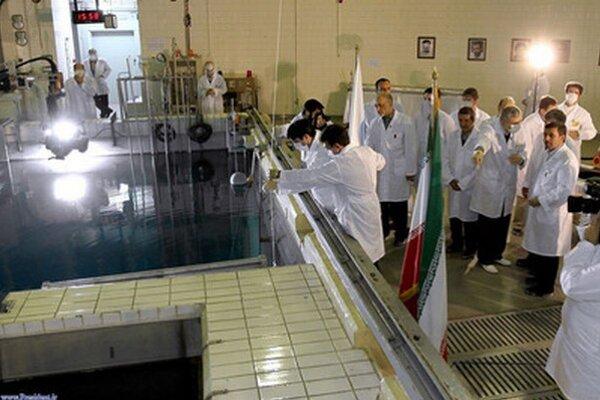 Irán pustil inšpektorov do dvoch lokalít zapojených do jadrového programu