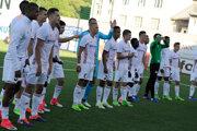 Futbalisti AS Trenčín oslavujú víťazstvo nad Torpedom Kutaisi.