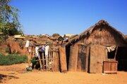 """Ľudia z dedín používajú takzvané """"malgašské toalety""""."""