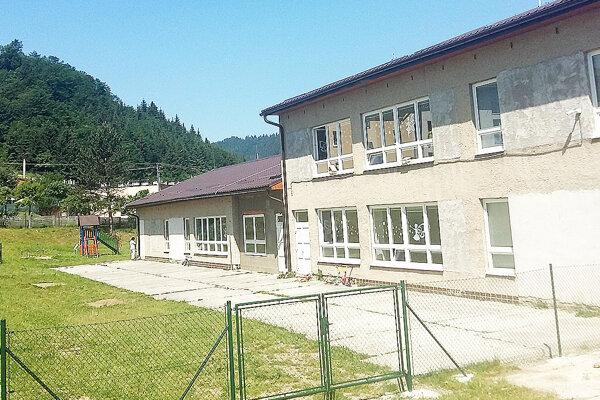 Stará škôlkarska budova na Malej Orave.