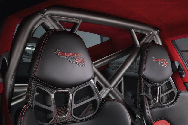Balík Weissach znižuje hmotnosť nového Porsche o ďalších 30 kilogramov.