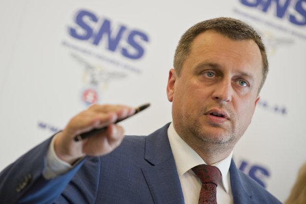 Predseda SNS Andrej Danko. Kritizujú ho už aj jeho vlastní.