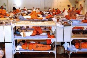 Americké väznice sú preplnené.