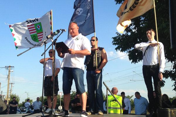 Politické hnutie Sila a odhodlanie chce konkurovať Jobbiku.