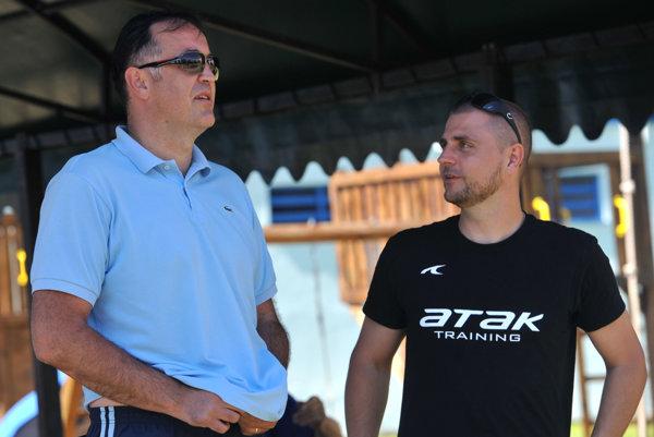 Tréner Tatrana Slavko Goluža a generálny manažér Mirko Benický.