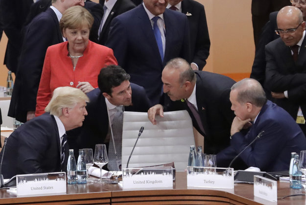 Originál fotografie zo summitu G20 v Hamburgu