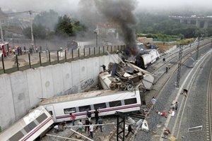 Vlak sa podľa informácií španielskych médií vykoľajil v rýchlosti takmer 200 kilometrov za hodinu.