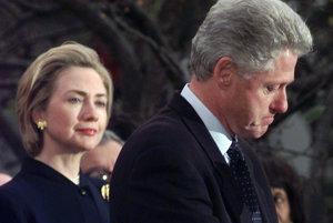 Aféra prezidenta Billa Clintona sa premenila na verejnú tému.
