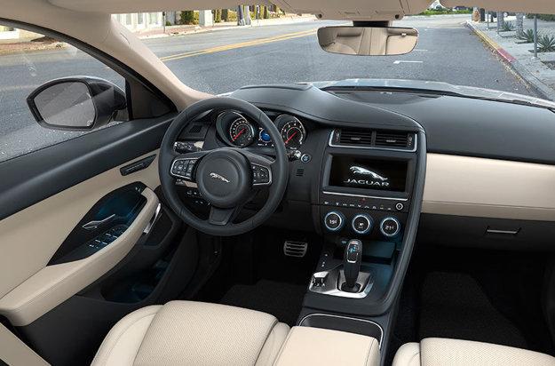 Interiér nového Jaguaru E-Pace.