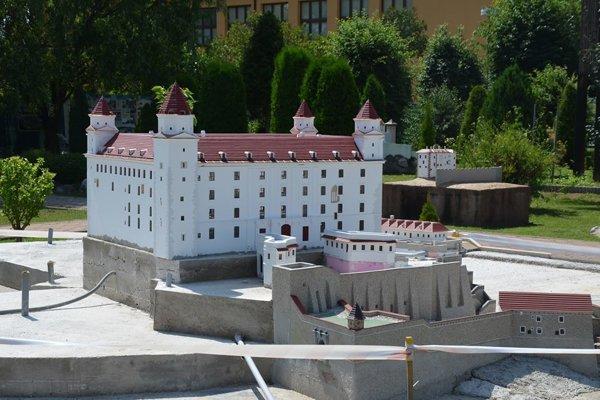 V Podolí pribudol bratislavský hrad.