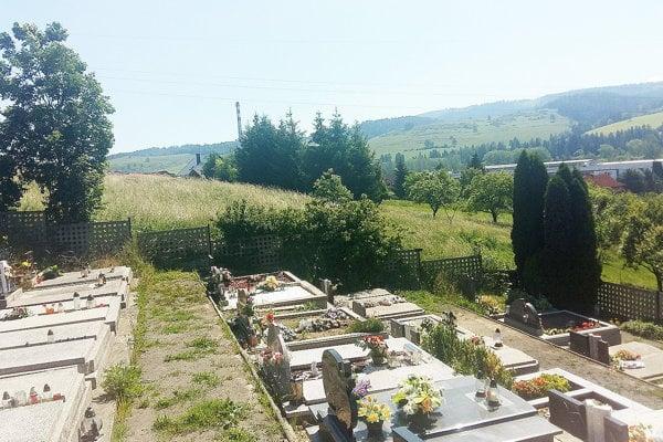 Pozemok vedľa cintorína kúpila obec.