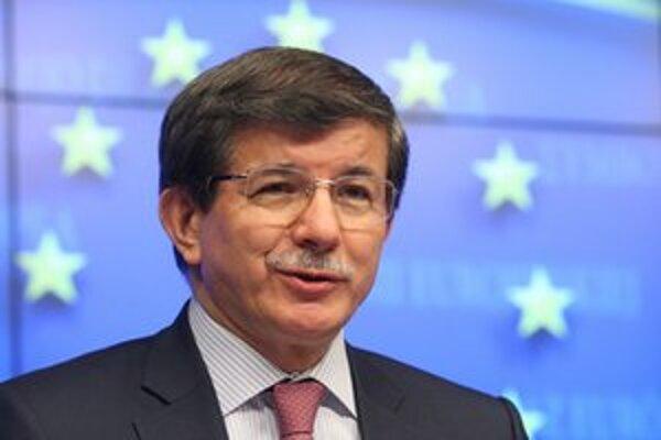 Šéf tureckej diplomacie Ahmet Davutoglu.