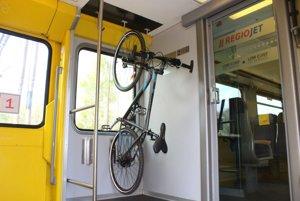 Preprava bicykla vo vlaku RegioJet.