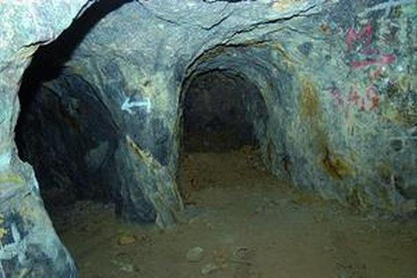 Opálové bane v Červenici.