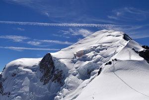 Z masívu Mont Blancu sa odtrhla skala aj stromi Slovákmi ajedným Poliakom.