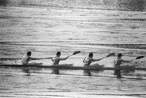 Štvorkajak s Ľubomírom Kadnárom (tretí zľava) na Olympijských hrách v Mníchove v roku 1972 skončil na 9. mieste.
