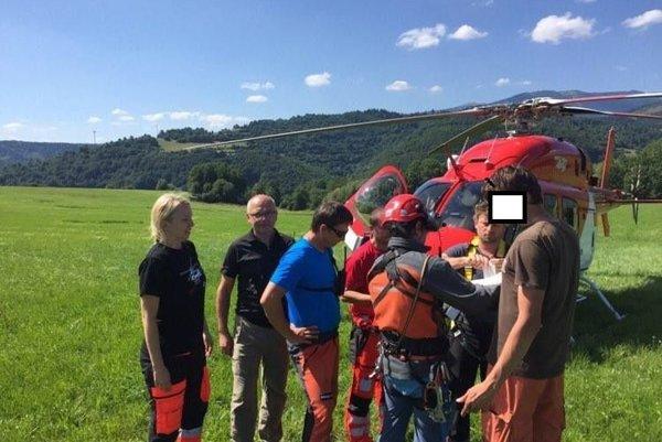 Paraglajdista utrpel zranenie pri núdzovom pristátí.