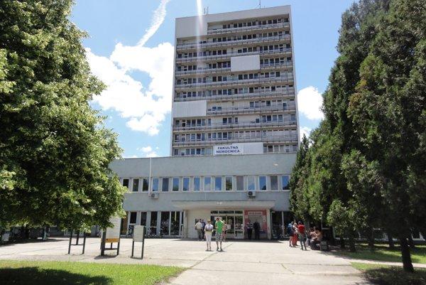 Novozámocká nemocnica spolu stopoľčianskou vynikajú vpočtoch  cisárskych rezov na Slovensku.