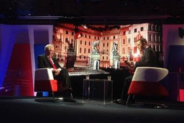 Zeman v sobotu večer v Českej televízii s Václavom Moravcom.