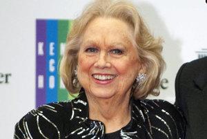 Americká herečka a speváčka Barbara Cook.