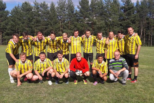 Na turnaji v Prochote sa mužstvo Pitelovej prebojovalo do finále.