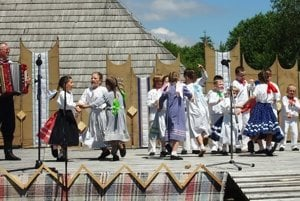 DFS Turiec počas vystúpenia na Turčianskych slávnostiach folklóru.