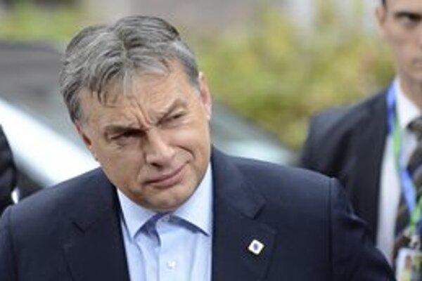 Forint padol po výroku ministra hospodárstva, no Orbánova vláda viní spoločnosť ekonóma Roubiniho.