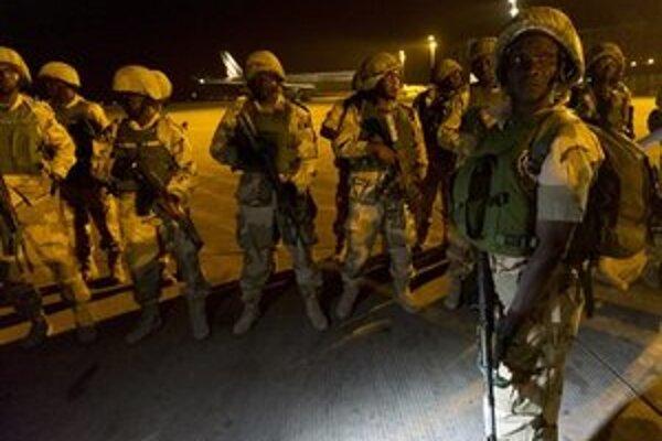 Malijskej vláde pomáhajú francúzski vojaci.