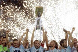 Lazio Rím zdolalo Juventus a vyhralo Superpohár.