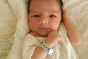 Simone Štefánkovej z Dubnice sa 7. augusta narodil syn Erik (3360 g a 53 cm).