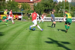 Mníchova Lehota (v červenom) strelila Drietome šesť gólov.