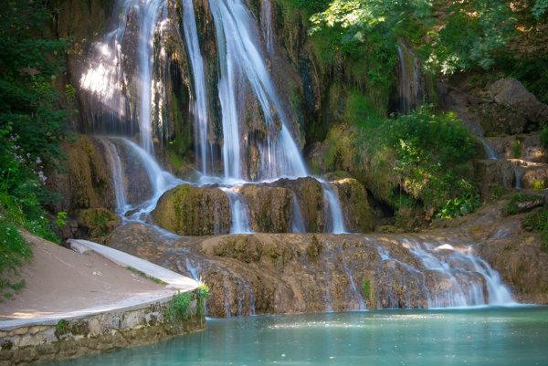 Lúčanský vodopád v kúpeľnej obci Lúčky.