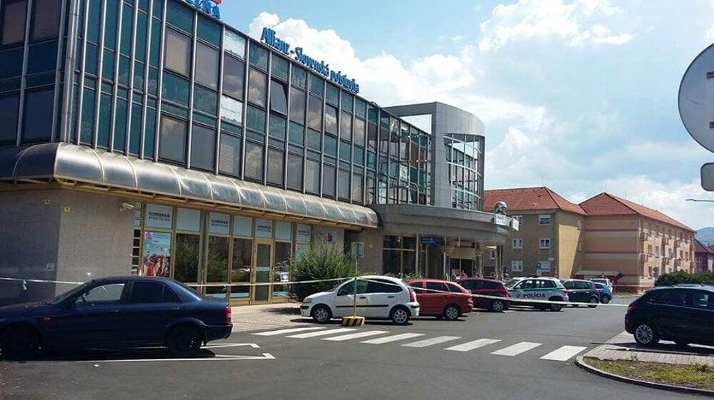 a4dc35e1c FOTO: Pobočky VÚB uzavreli - fotogaléria - myziar.sme.sk - myziar.sme.sk