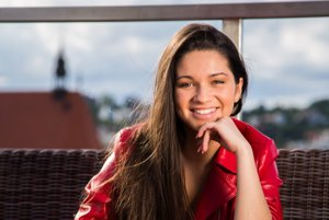 Dorota DORIS Tóthová. Má 19, nesmierny talent a sexi zamatový hlas.