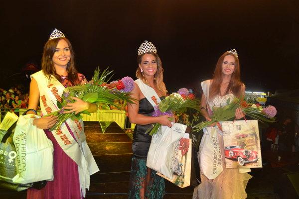 Tri najkrajšie z Miss Domaša 2017. Zľava Dagmar, Zuzka a Izabela.