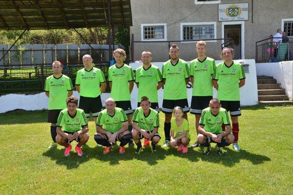 Futbalisti ŠK Jablonov n/T na turnaji vo Vyšnej Slanej.