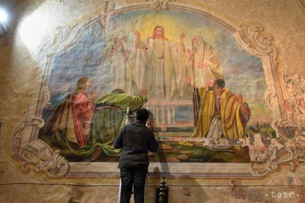 Vzácne fresky. Objavili ich v kostole.